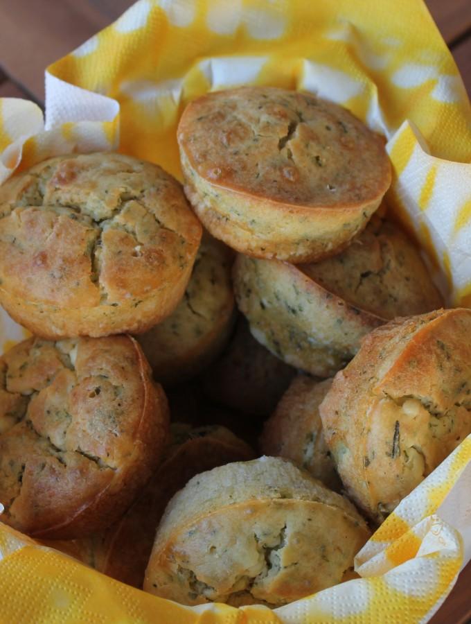 Muffin salati con erbette e feta