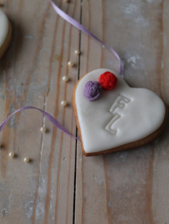 Heart wedding cookies