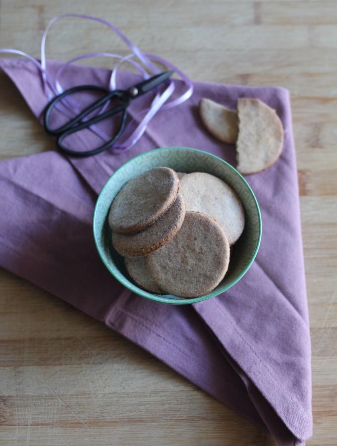 Biscotti di pasta frolla vegana