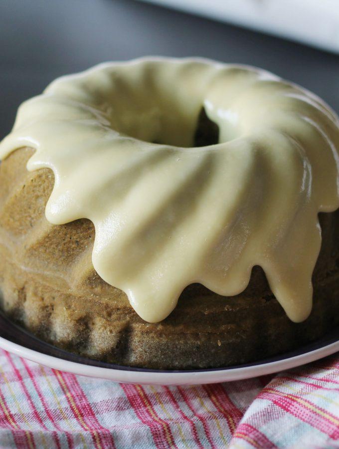 Sponge cake al thè matcha e cioccolato bianco