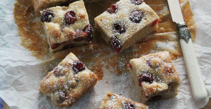 Torta morbida di ciliegie