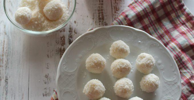 Dolcetti al cocco: Palline di ricotta e cocco