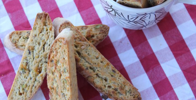 Tozzetti con albicocche secche e pistacchi
